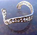 curved lace bracelet