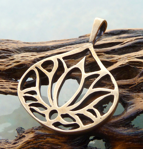 Bronze Lotus Flower Pendant (4/4)