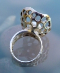 pearl ring.4