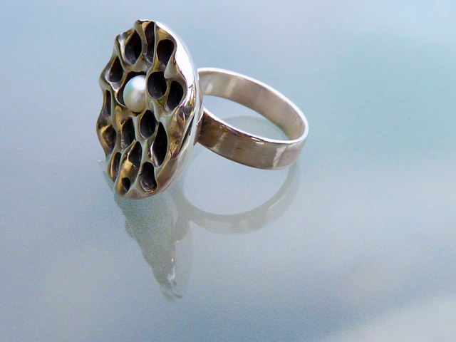 Pearl in Lotus Seed Pod Ring (6/6)