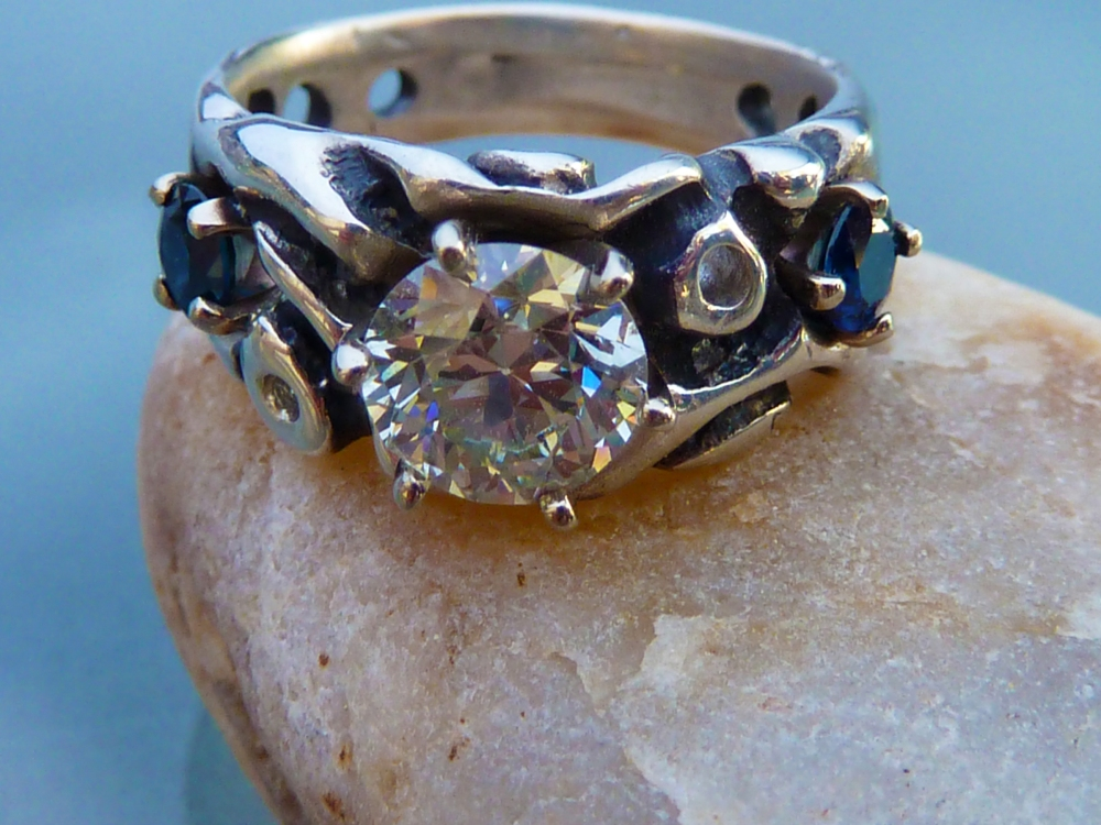 Something Old, Something New . . . Wedding Ring: Hand-carved Silver, White Gold, Diamond and Sapphires (2/6)